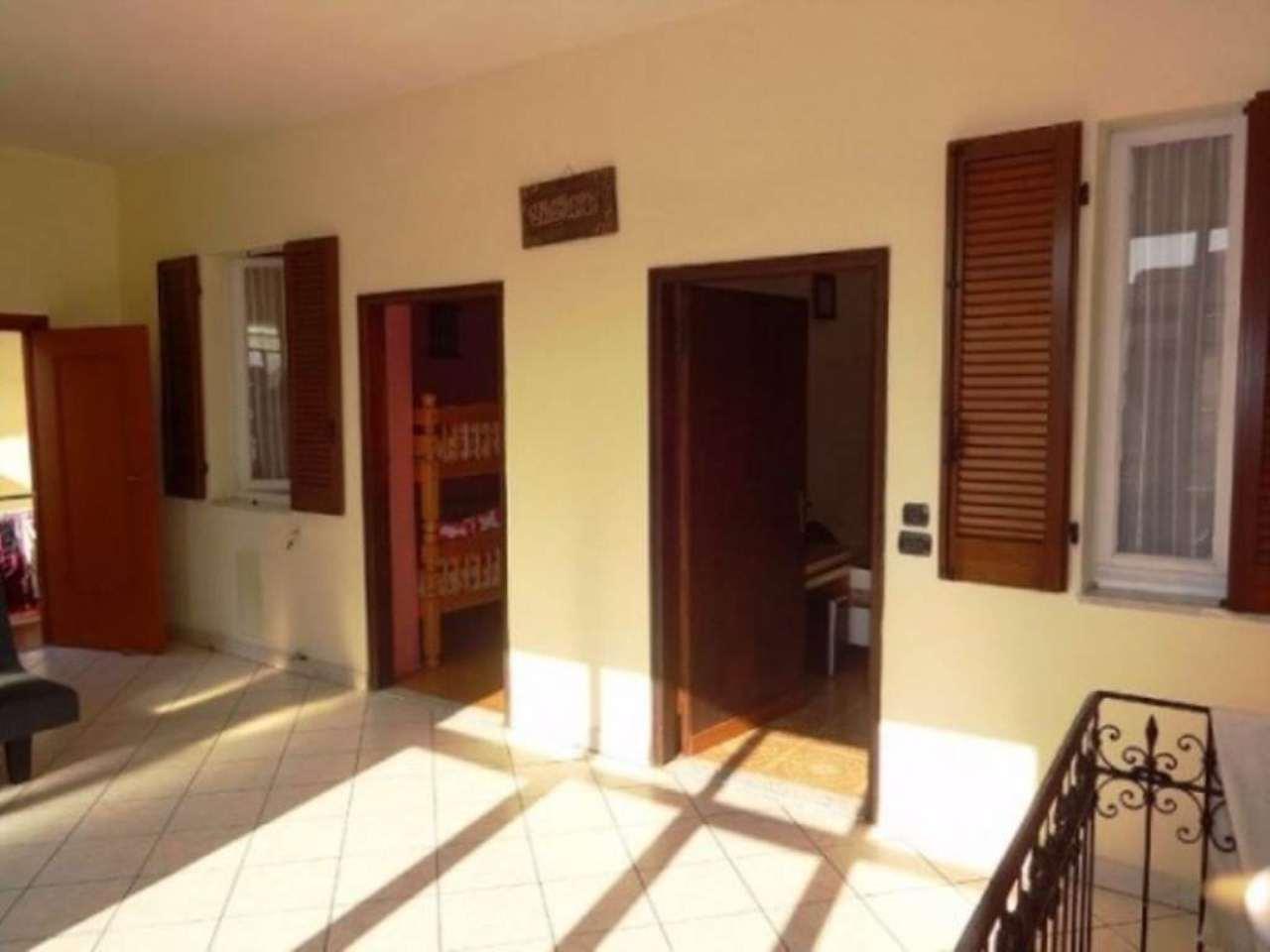 Soluzione Indipendente in vendita a Cavaria con Premezzo, 6 locali, prezzo € 99.000 | Cambio Casa.it