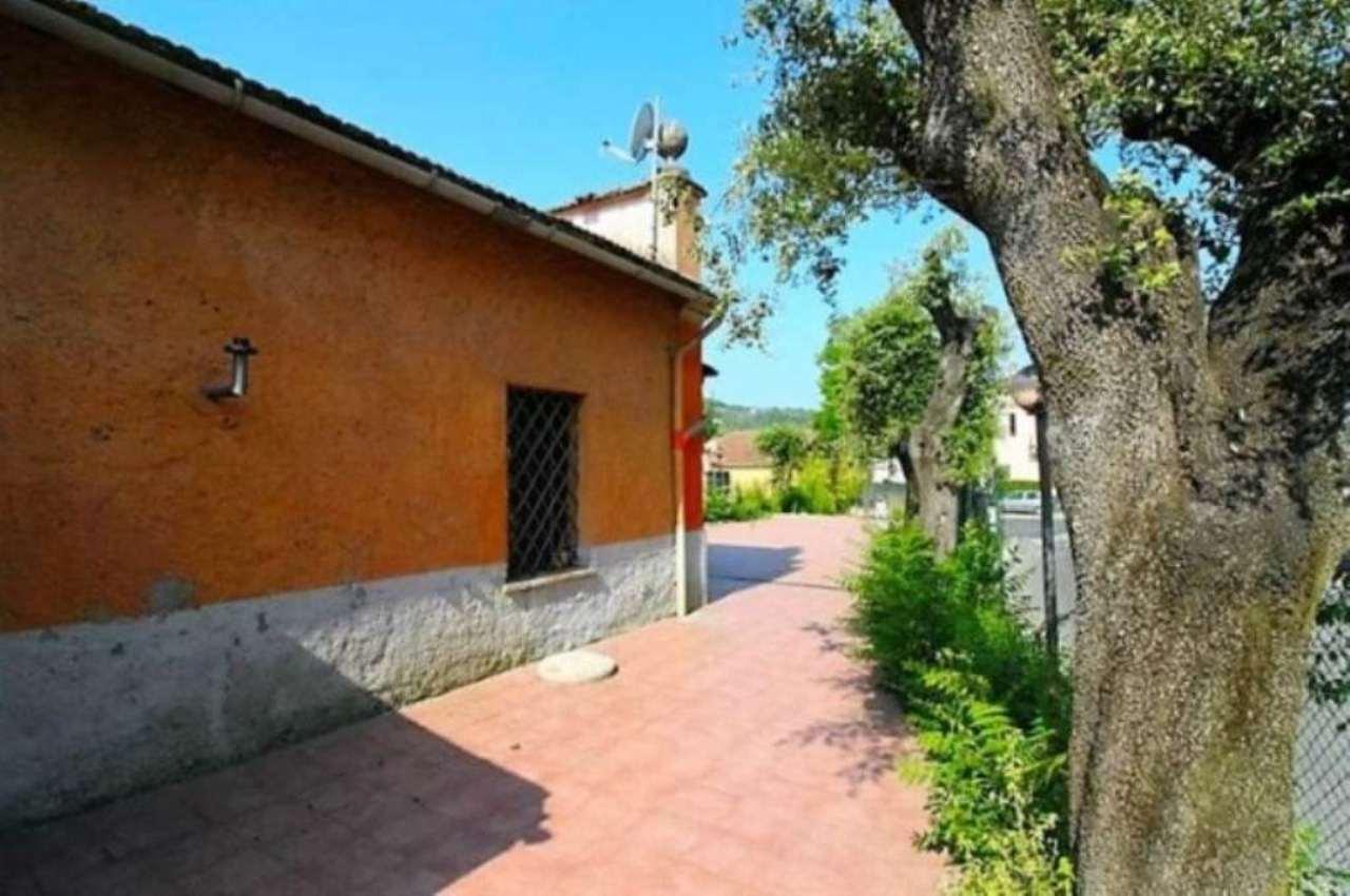 Negozio / Locale in vendita a Montopoli di Sabina, 2 locali, Trattative riservate | Cambio Casa.it