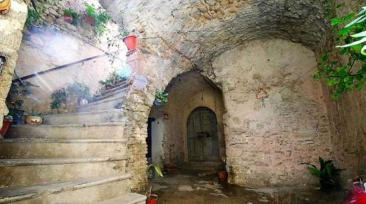 Appartamento in vendita a Montopoli di Sabina, 4 locali, prezzo € 29.000 | Cambio Casa.it