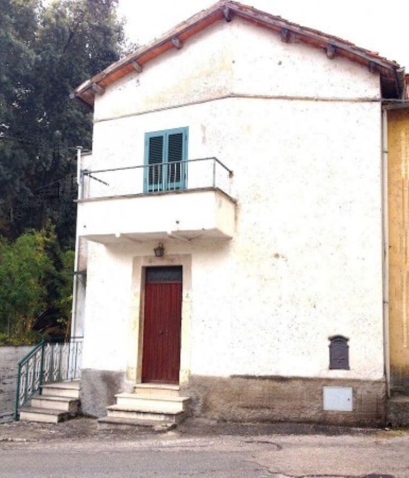 Rustico / Casale in vendita a Roccantica, 4 locali, prezzo € 110.000   Cambio Casa.it