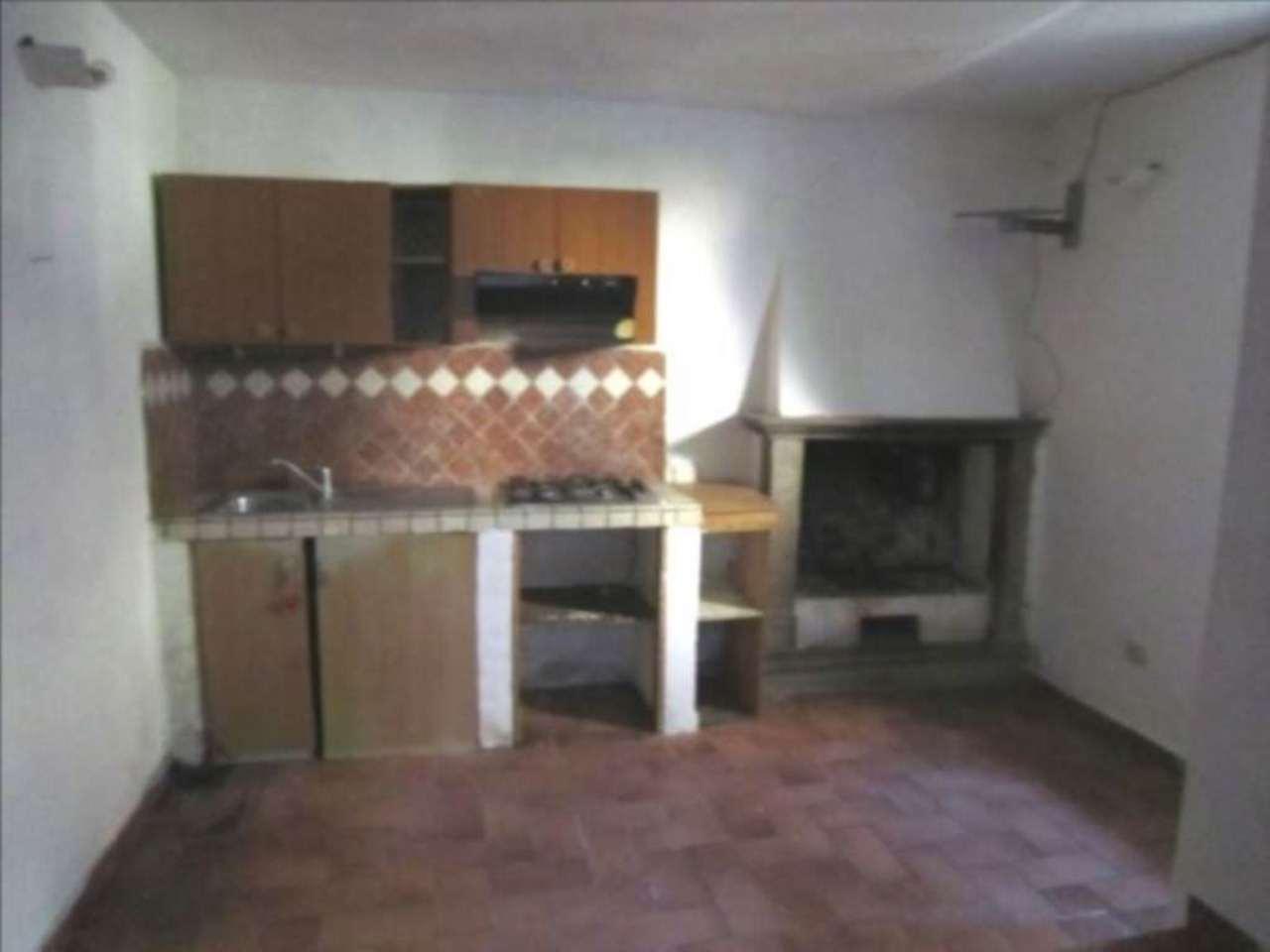 Appartamento in vendita a Montopoli di Sabina, 2 locali, prezzo € 20.000 | Cambio Casa.it