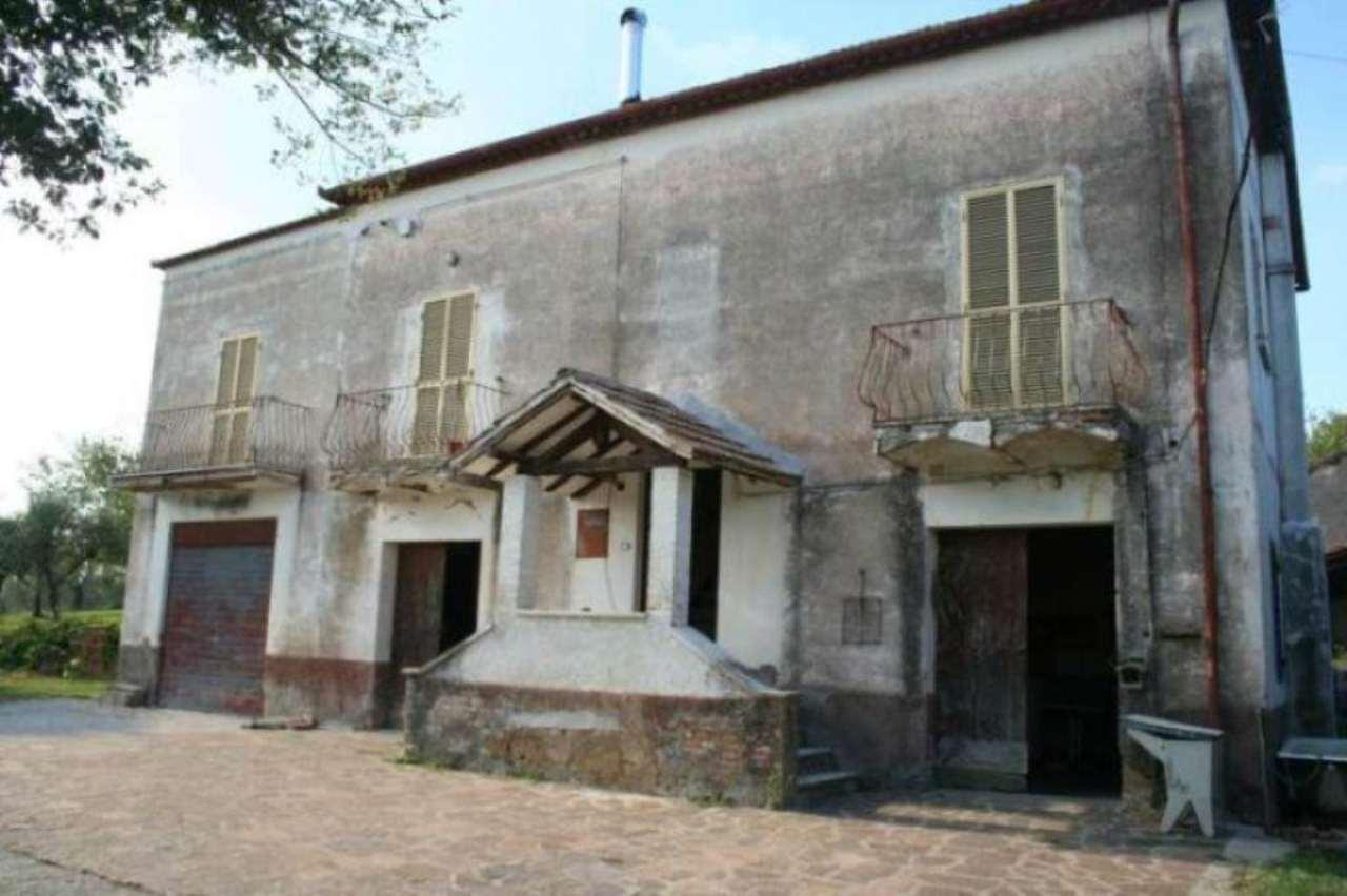Rustico / Casale in vendita a Tarano, 6 locali, prezzo € 109.000 | CambioCasa.it