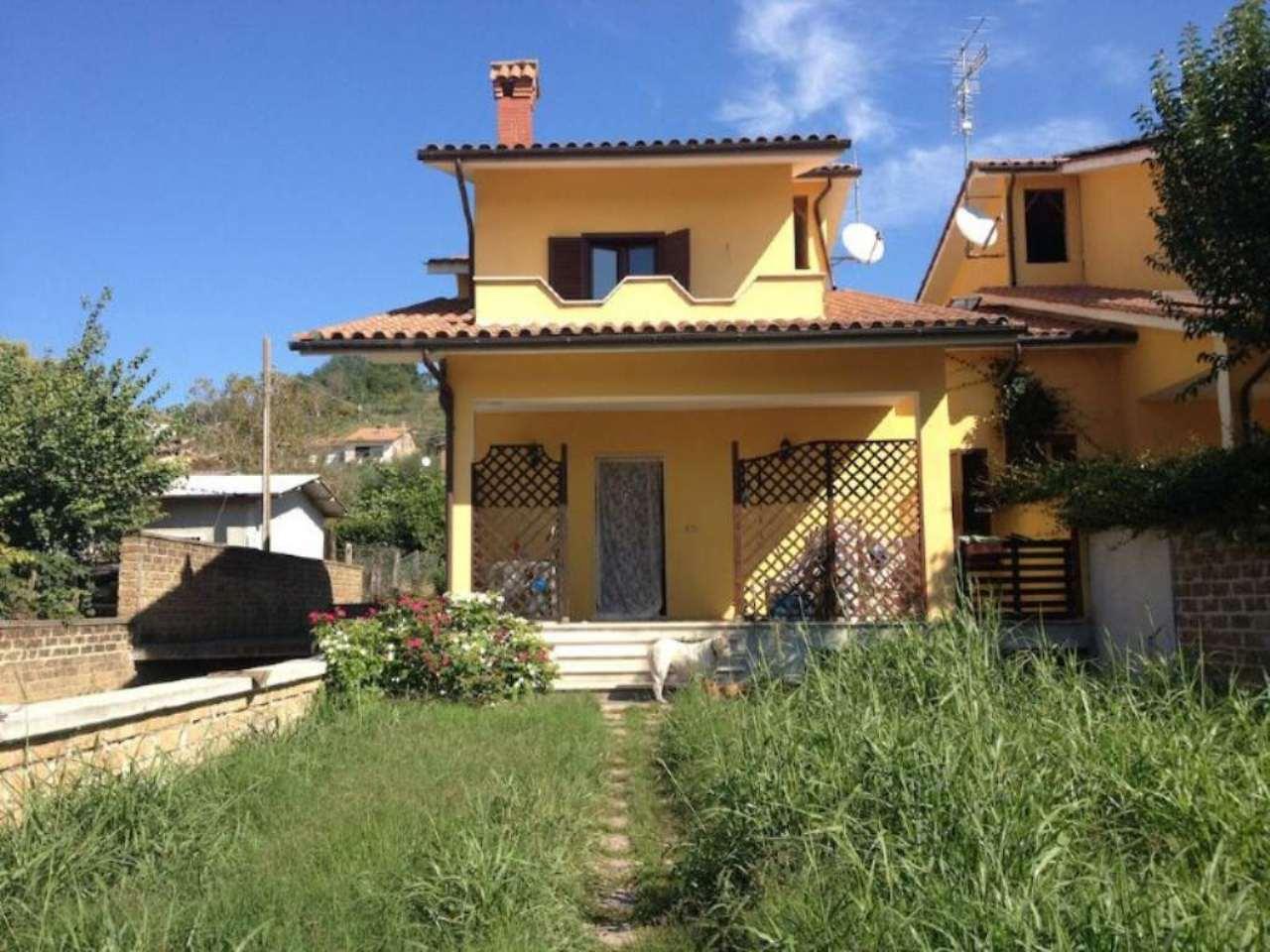 Villa Bifamiliare in Vendita a Stimigliano
