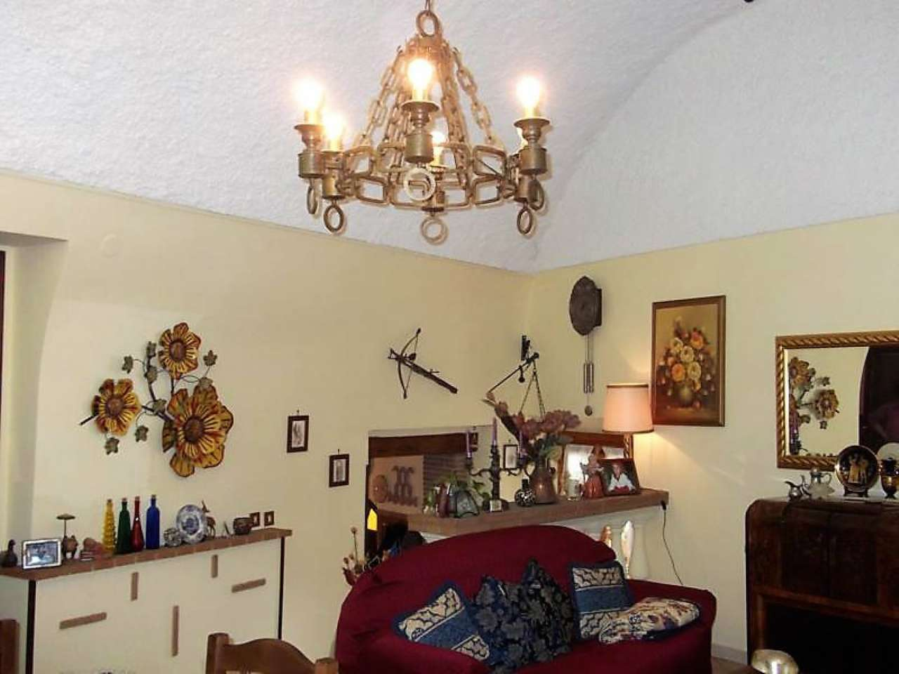 Appartamento in vendita a Montopoli di Sabina, 6 locali, prezzo € 160.000 | Cambio Casa.it