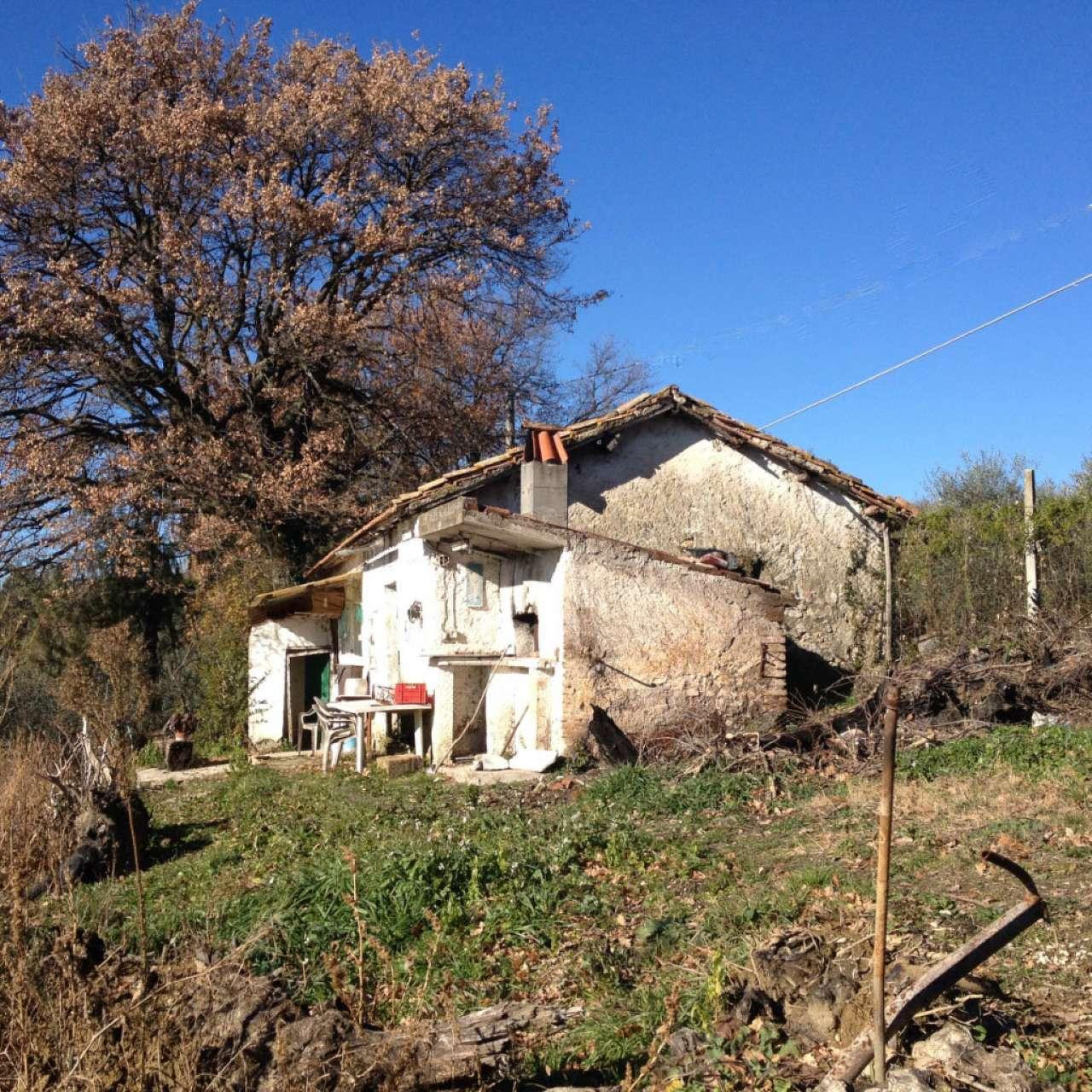 Rustico / Casale in vendita a Montopoli di Sabina, 3 locali, prezzo € 55.000 | CambioCasa.it