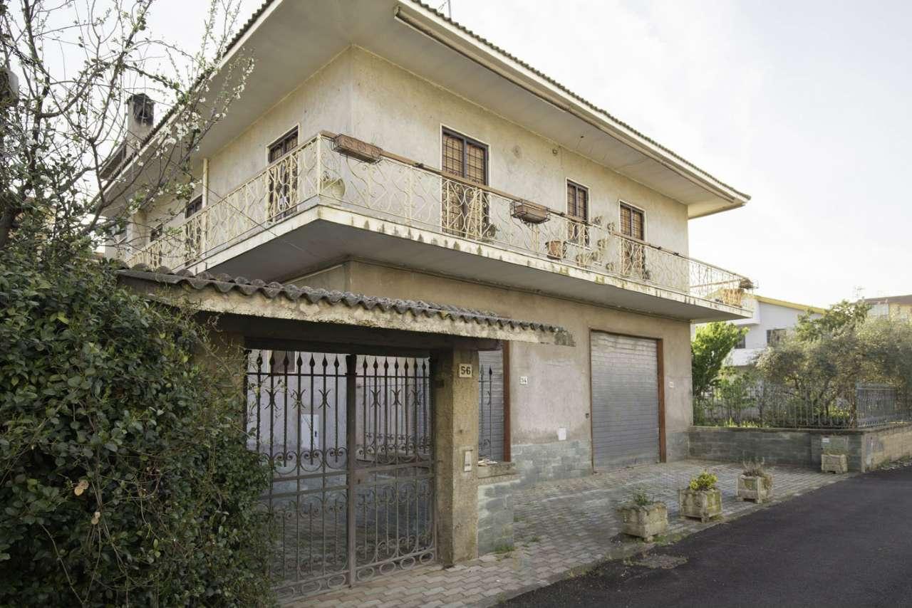 Soluzione Indipendente in vendita a Roma, 9 locali, zona Zona: 35 . Setteville - Casalone - Acqua Vergine, prezzo € 249.000 | Cambio Casa.it