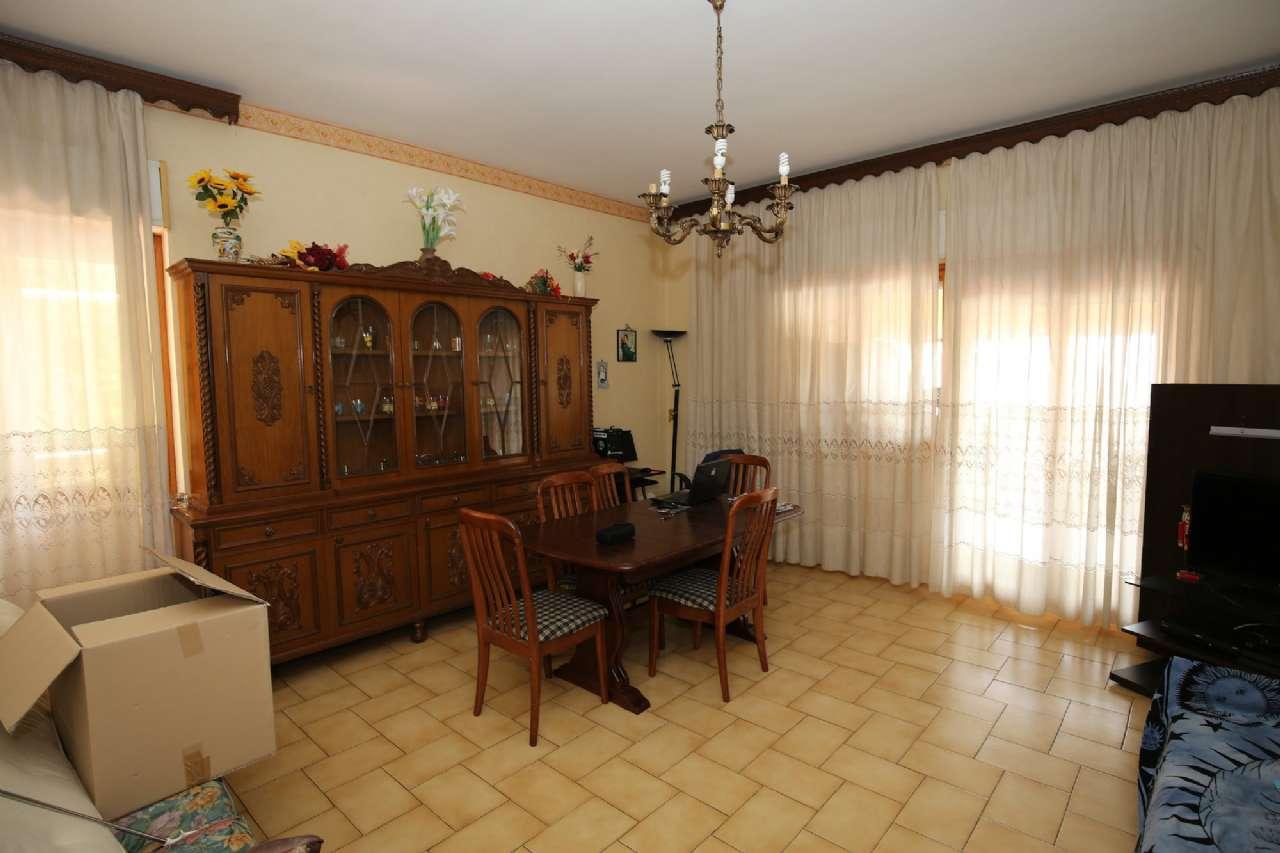Appartamento in vendita a Poggio Mirteto, 5 locali, prezzo € 85.000 | CambioCasa.it