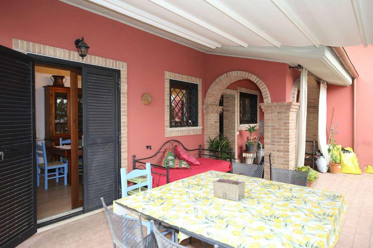Soluzione Semindipendente in vendita a Montopoli di Sabina, 5 locali, prezzo € 260.000 | CambioCasa.it