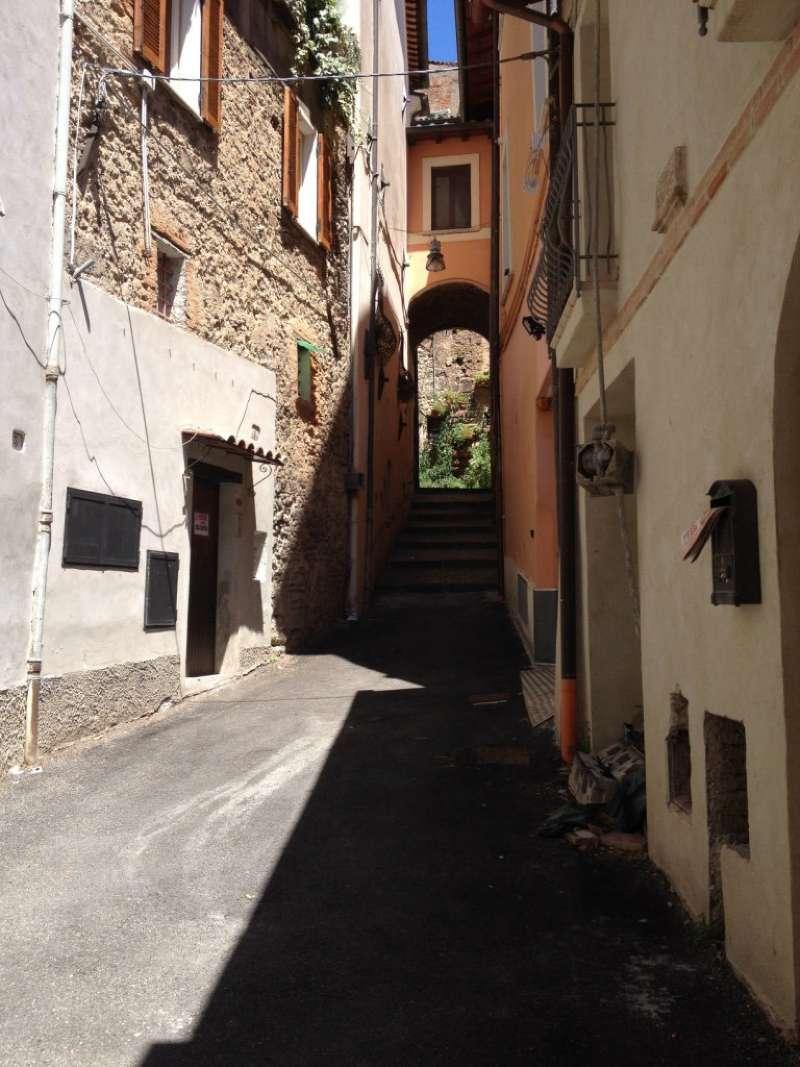 Palazzo / Stabile in Vendita a Rieti