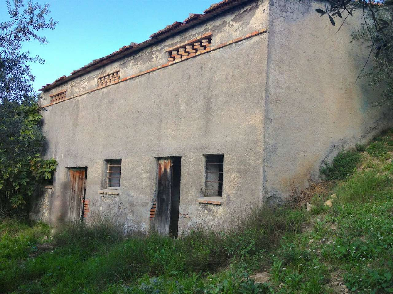 Rustico / Casale in vendita a Scandriglia, 2 locali, prezzo € 57.000   CambioCasa.it
