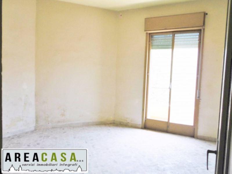 Appartamento in vendita a Carini, 3 locali, prezzo € 53.000 | Cambio Casa.it