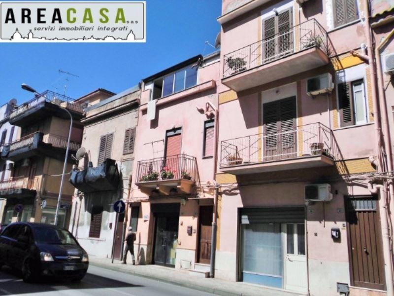 Negozio / Locale in vendita a Capaci, 2 locali, prezzo € 50.000 | Cambio Casa.it