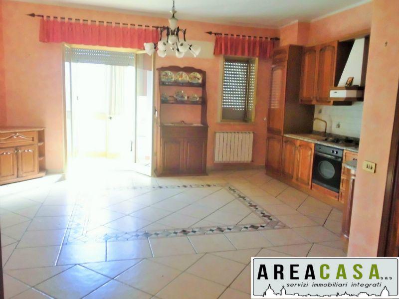 Palazzo / Stabile in affitto a Torretta, 5 locali, prezzo € 430 | Cambio Casa.it