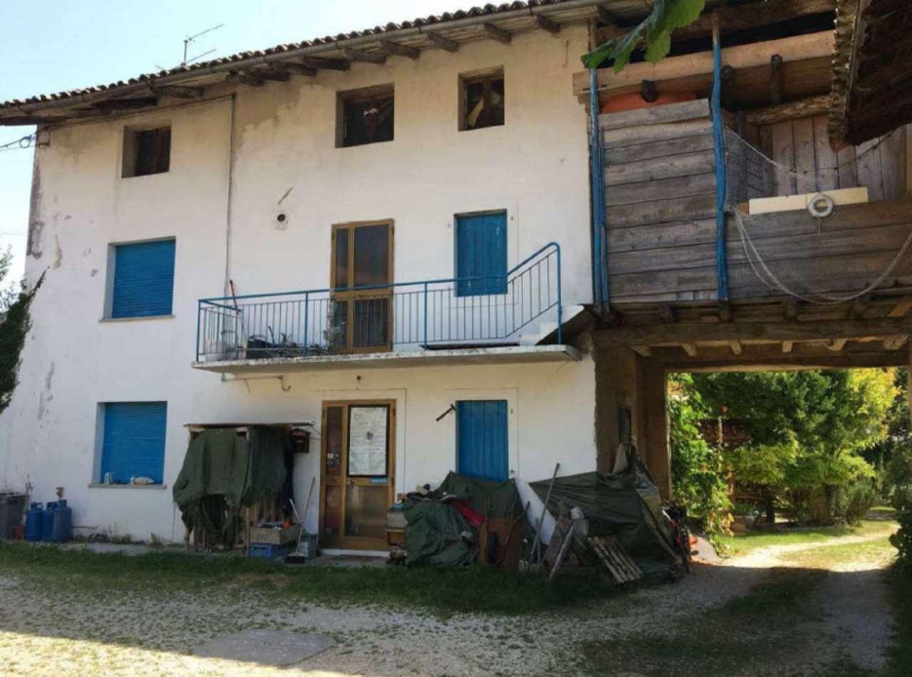 Foto 1 di Casa indipendente Via Tezzat 2, Aviano
