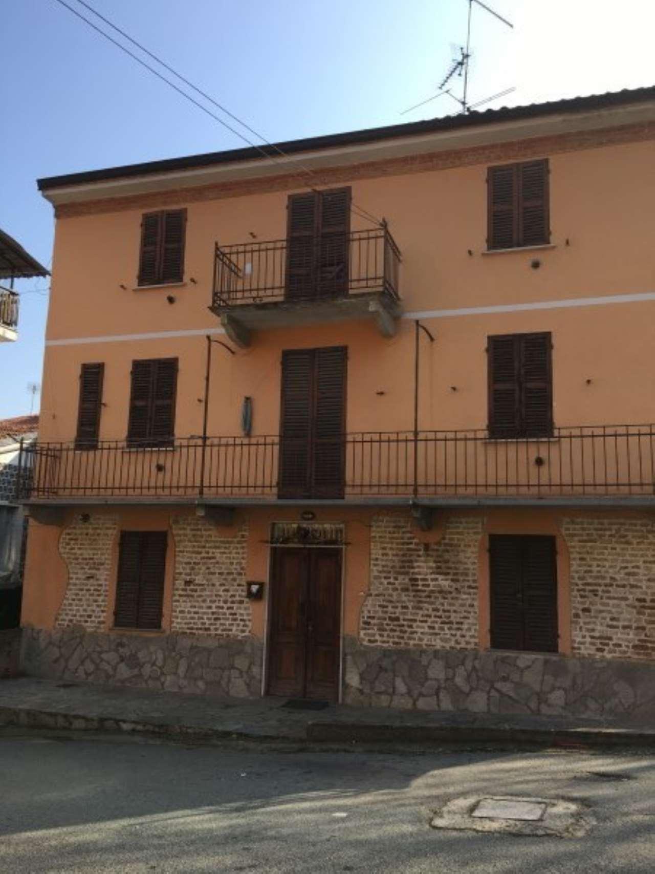 Foto 1 di Appartamento Via Roma 15, Castelletto Molina