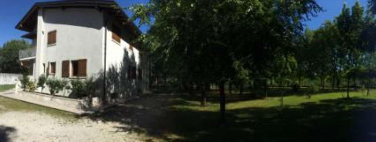 Foto 1 di Casa indipendente Via Roma, Vivaro