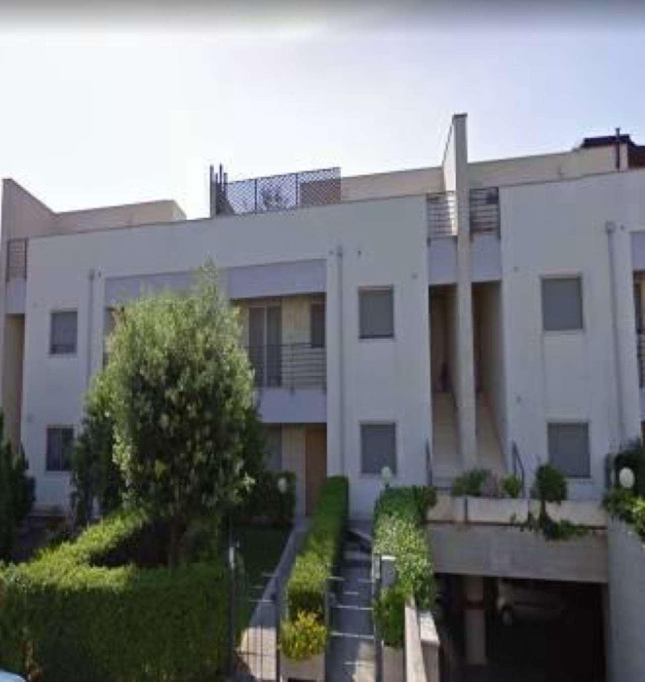 Foto 1 di Casa indipendente via Raffaello Sanzio 7, Matera