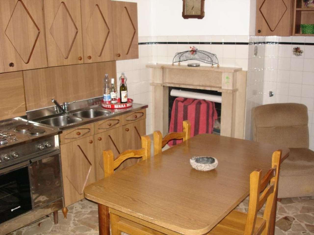 Appartamento in vendita a Alliste, 8 locali, prezzo € 103.050   CambioCasa.it