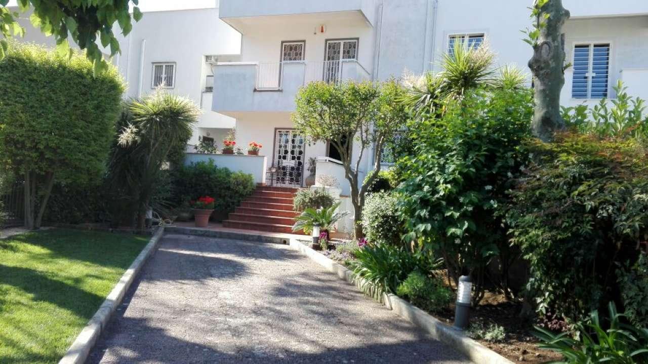 Villa in vendita a Bari, 7 locali, prezzo € 490.000 | CambioCasa.it