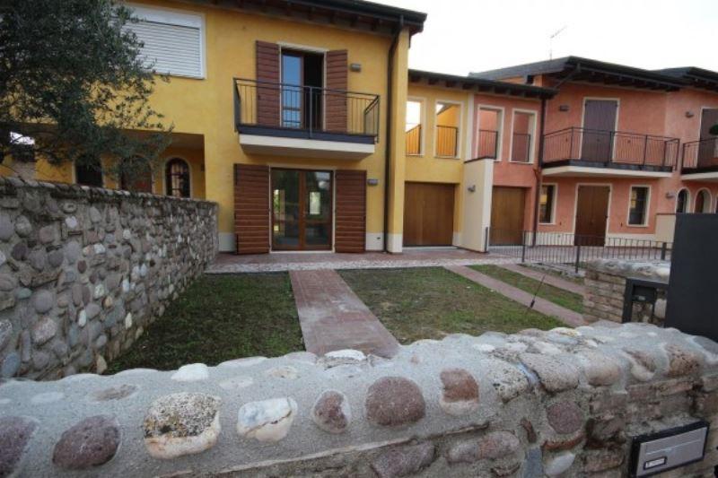 Villa a Schiera in Vendita a Pozzolengo