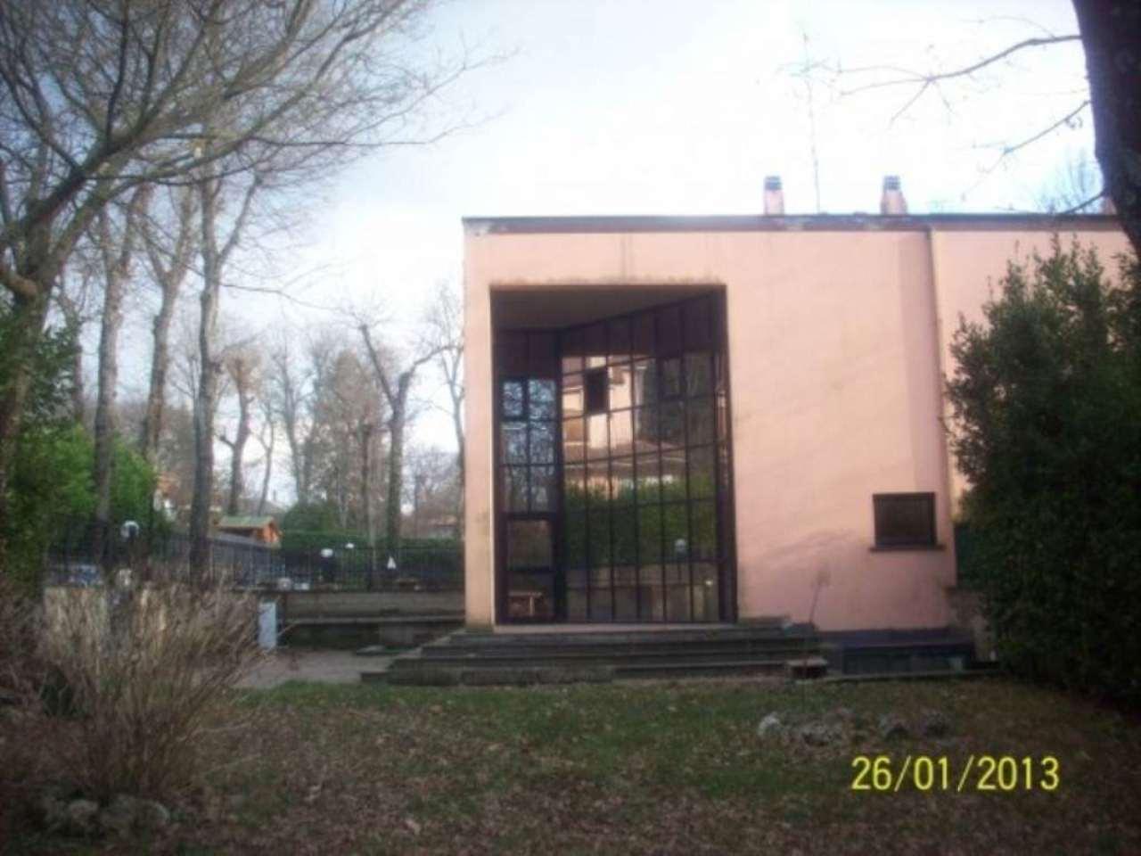 Villa in vendita a Ariccia, 6 locali, prezzo € 320.000 | CambioCasa.it