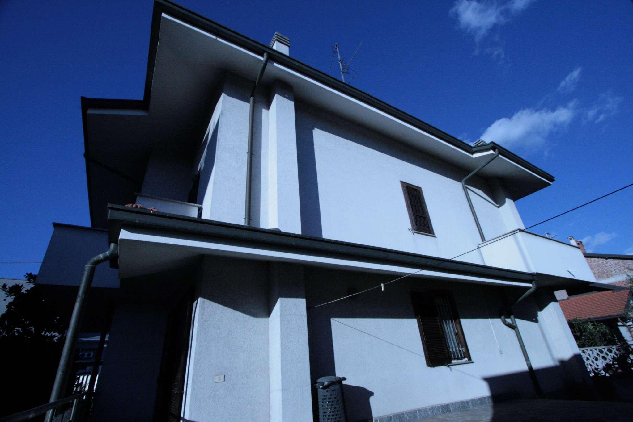 Soluzione Indipendente in vendita a Bollate, 7 locali, prezzo € 458.000 | Cambio Casa.it