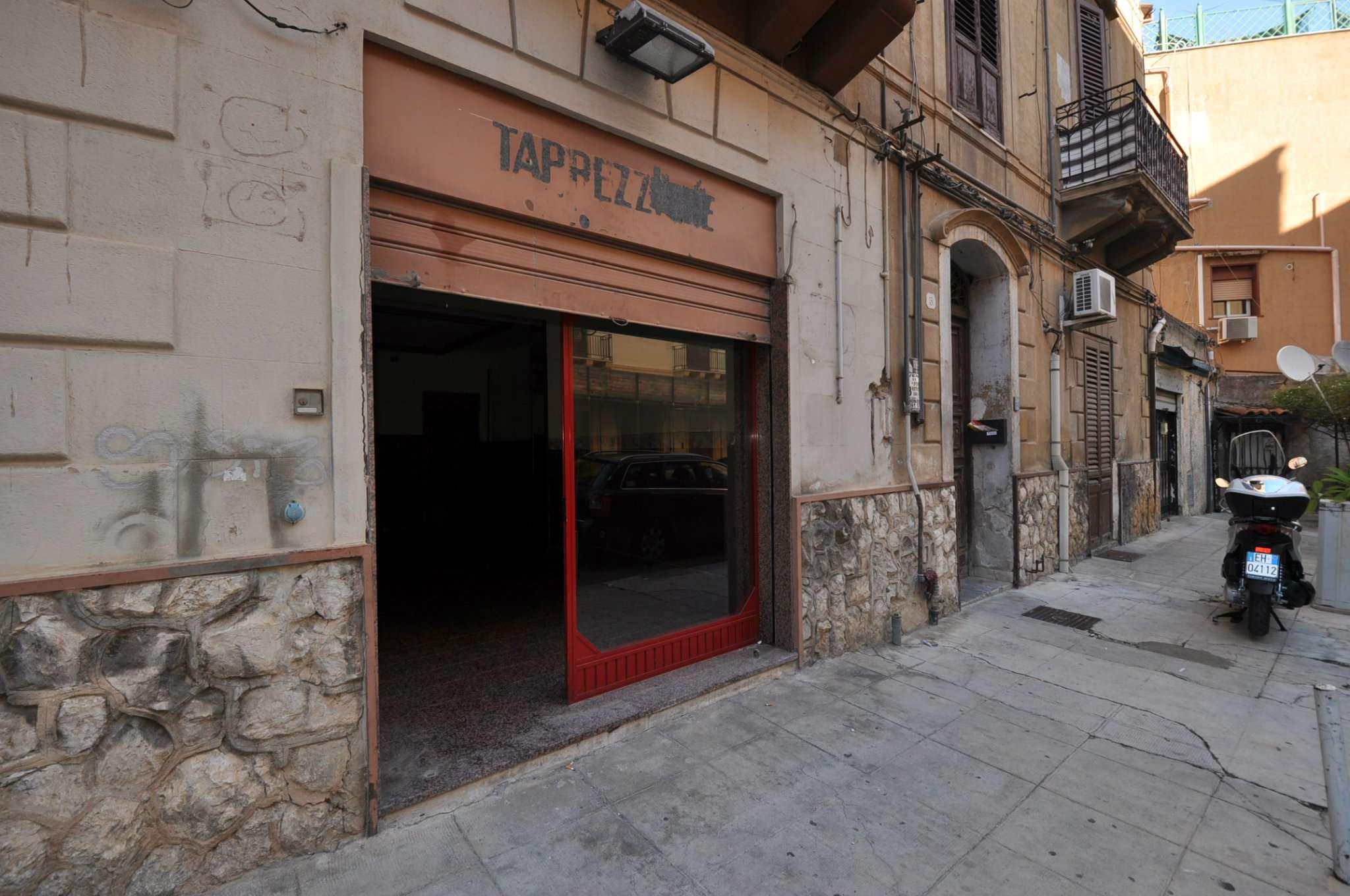 Negozio-locale in Vendita a Palermo: 3 locali, 60 mq