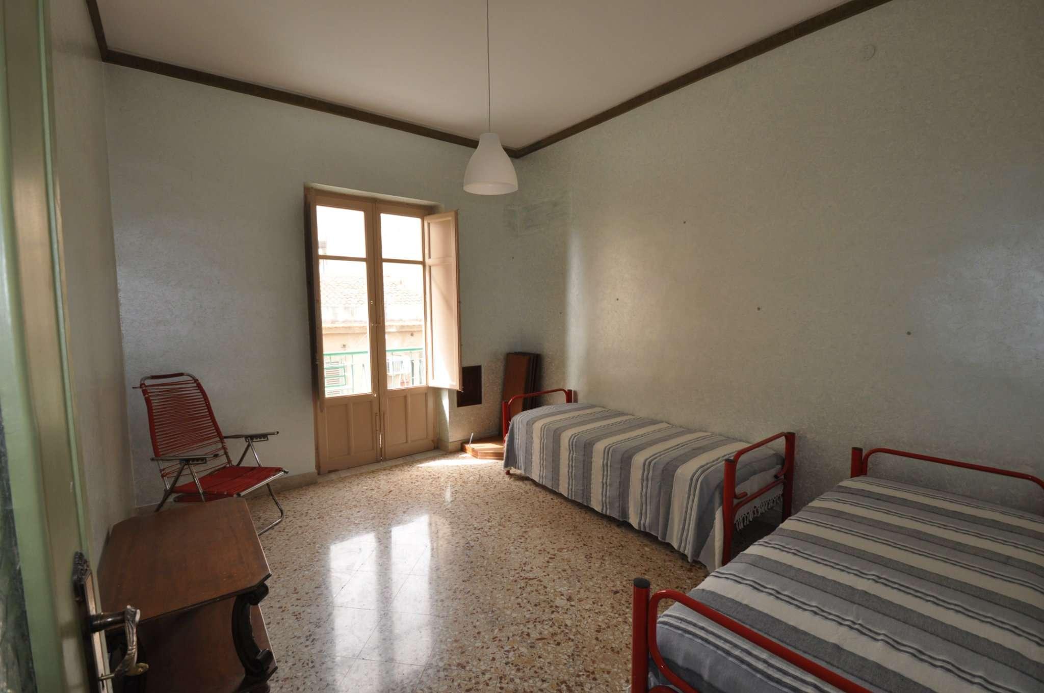 Appartamento in Vendita a Palermo: 4 locali, 88 mq