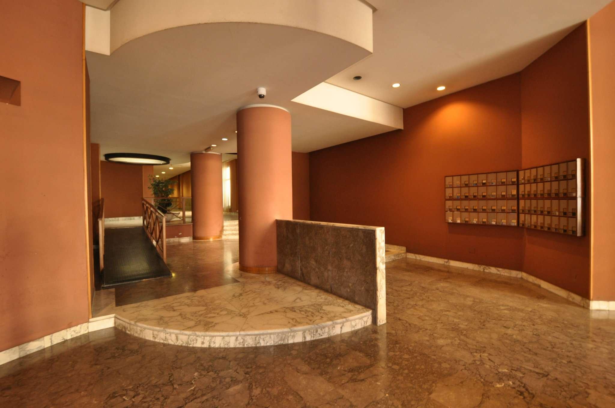 Ufficio-studio in Affitto a Palermo: 5 locali, 135 mq