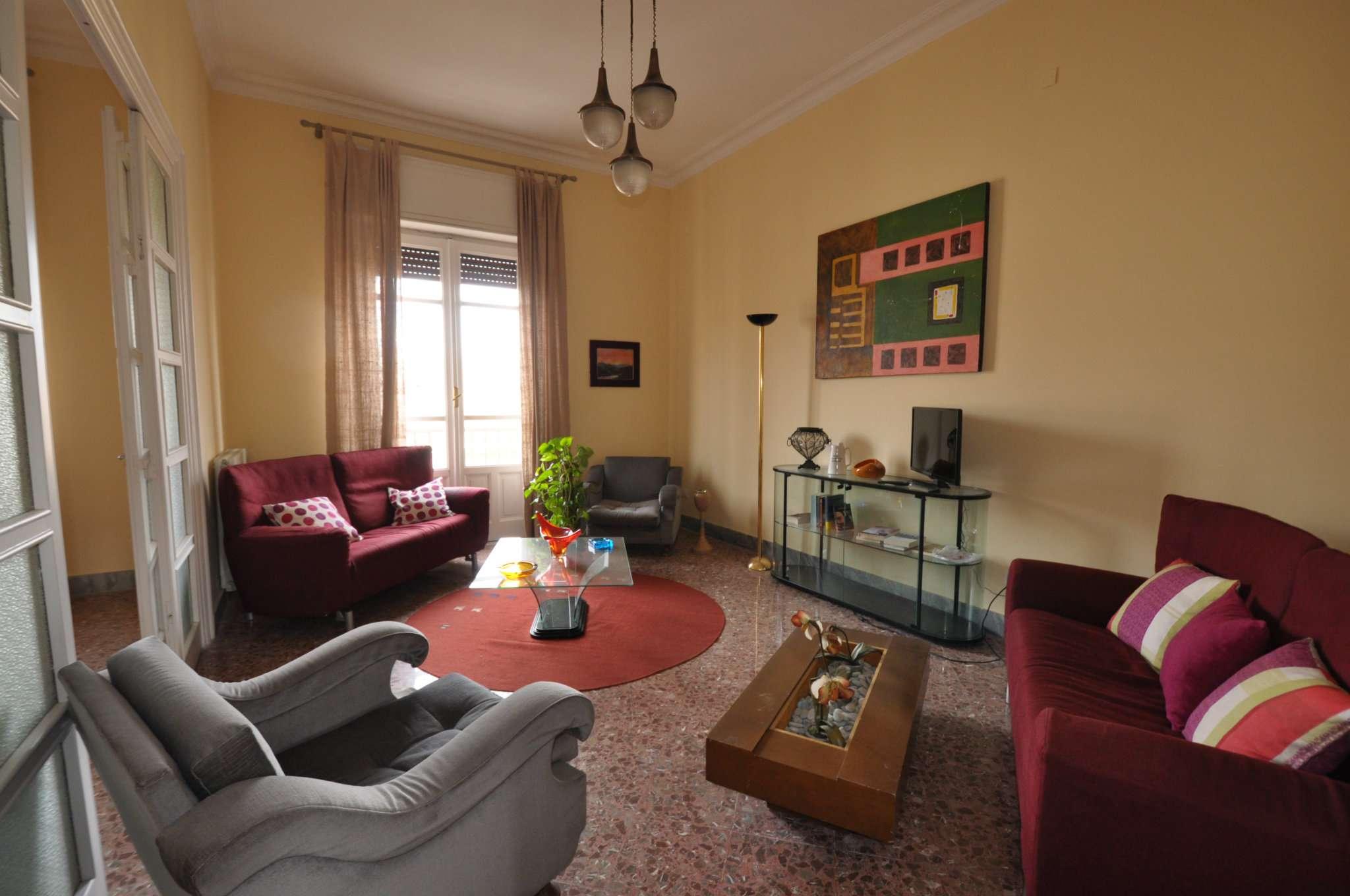 Appartamento in Affitto a Palermo: 5 locali, 215 mq