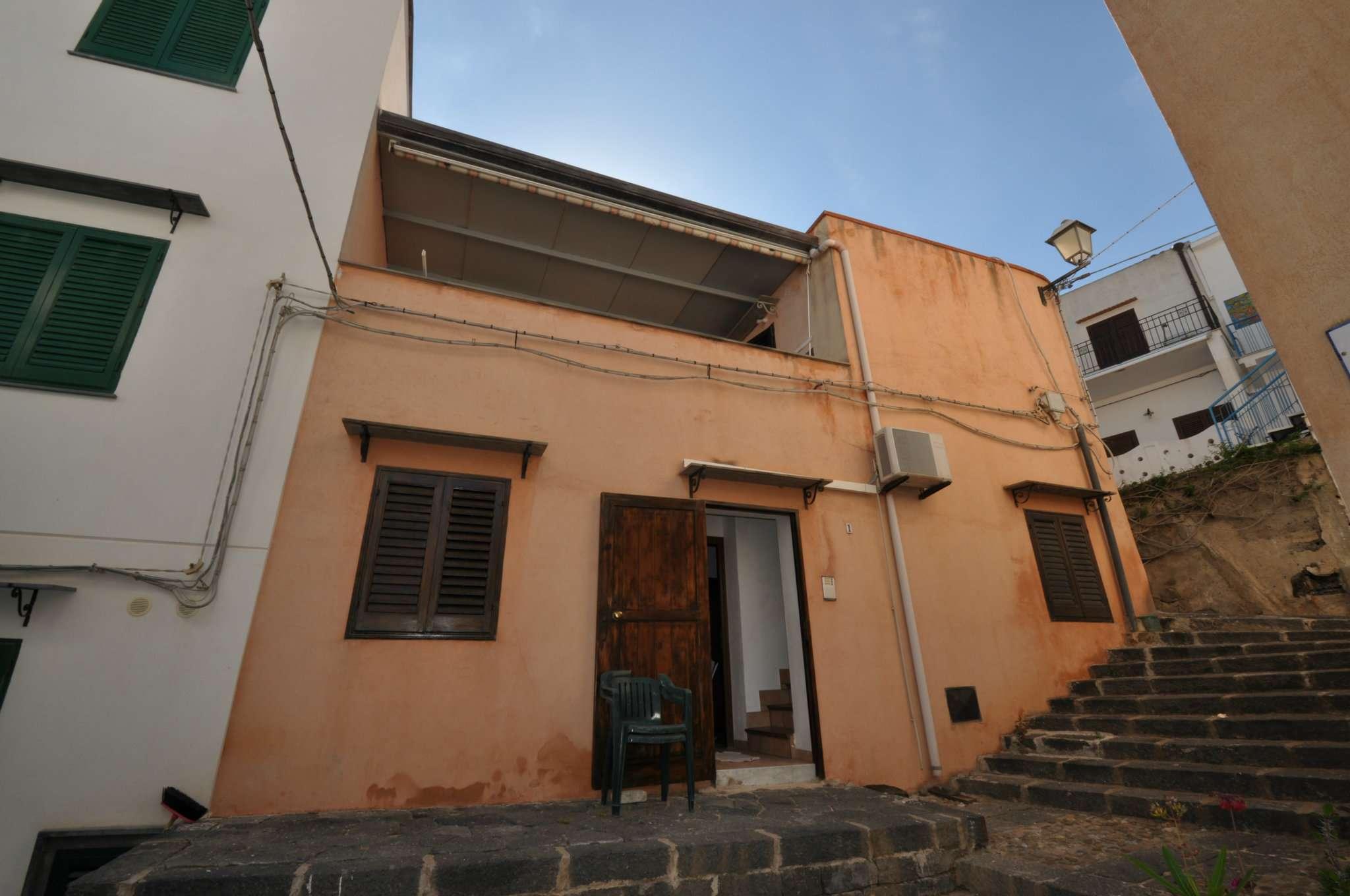 Casa indipendente in Vendita a Ustica: 80 mq