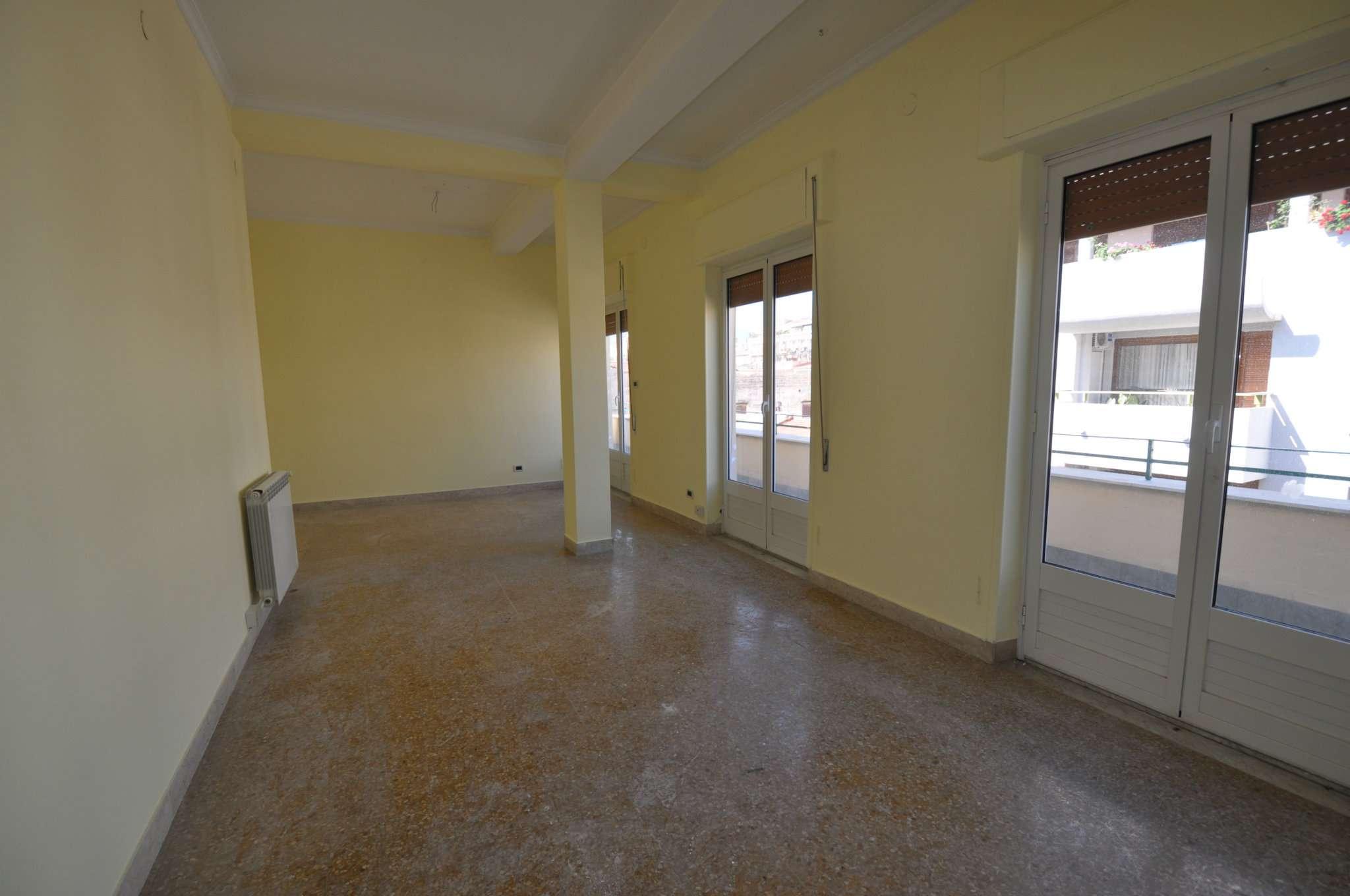 Appartamento in Affitto a Palermo: 5 locali, 160 mq