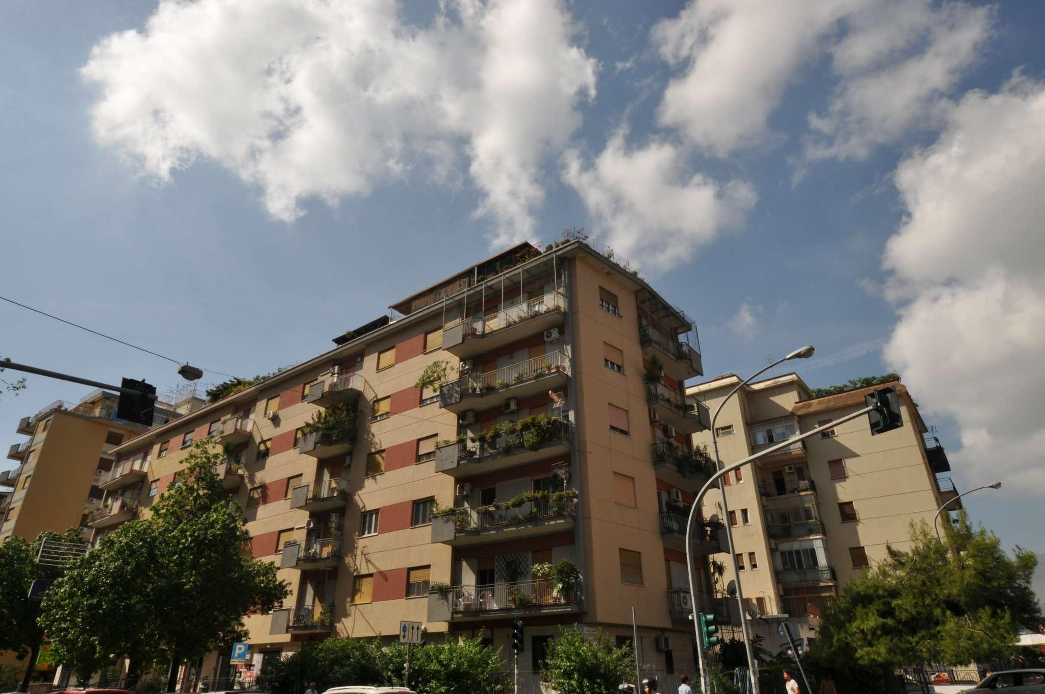 Appartamento in Vendita a Palermo: 5 locali, 160 mq