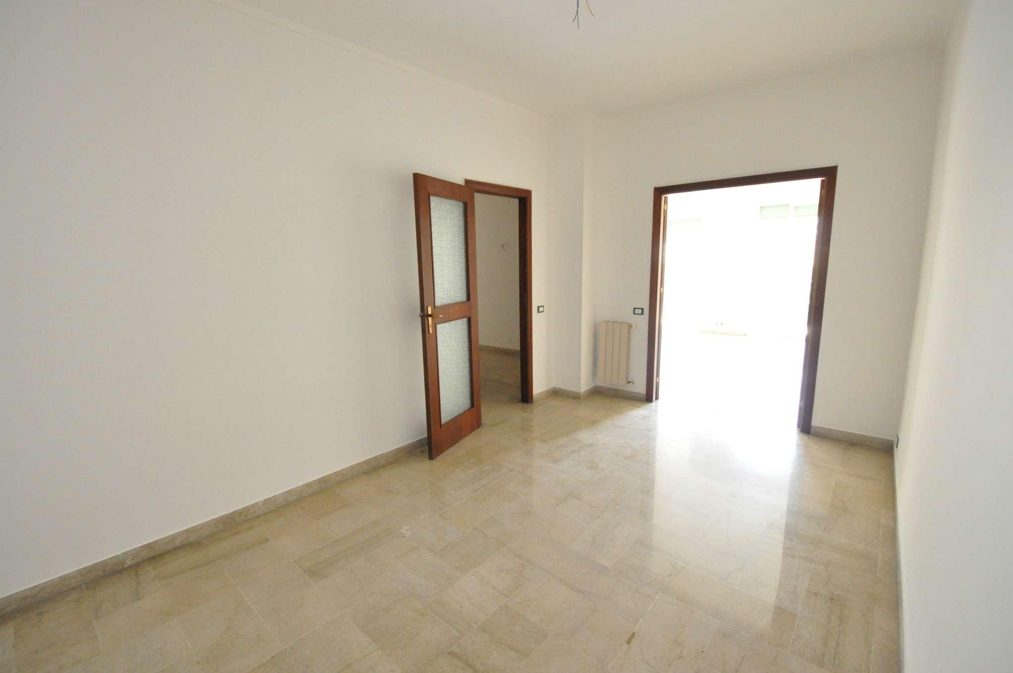 Appartamento in Affitto a Palermo: 5 locali, 200 mq