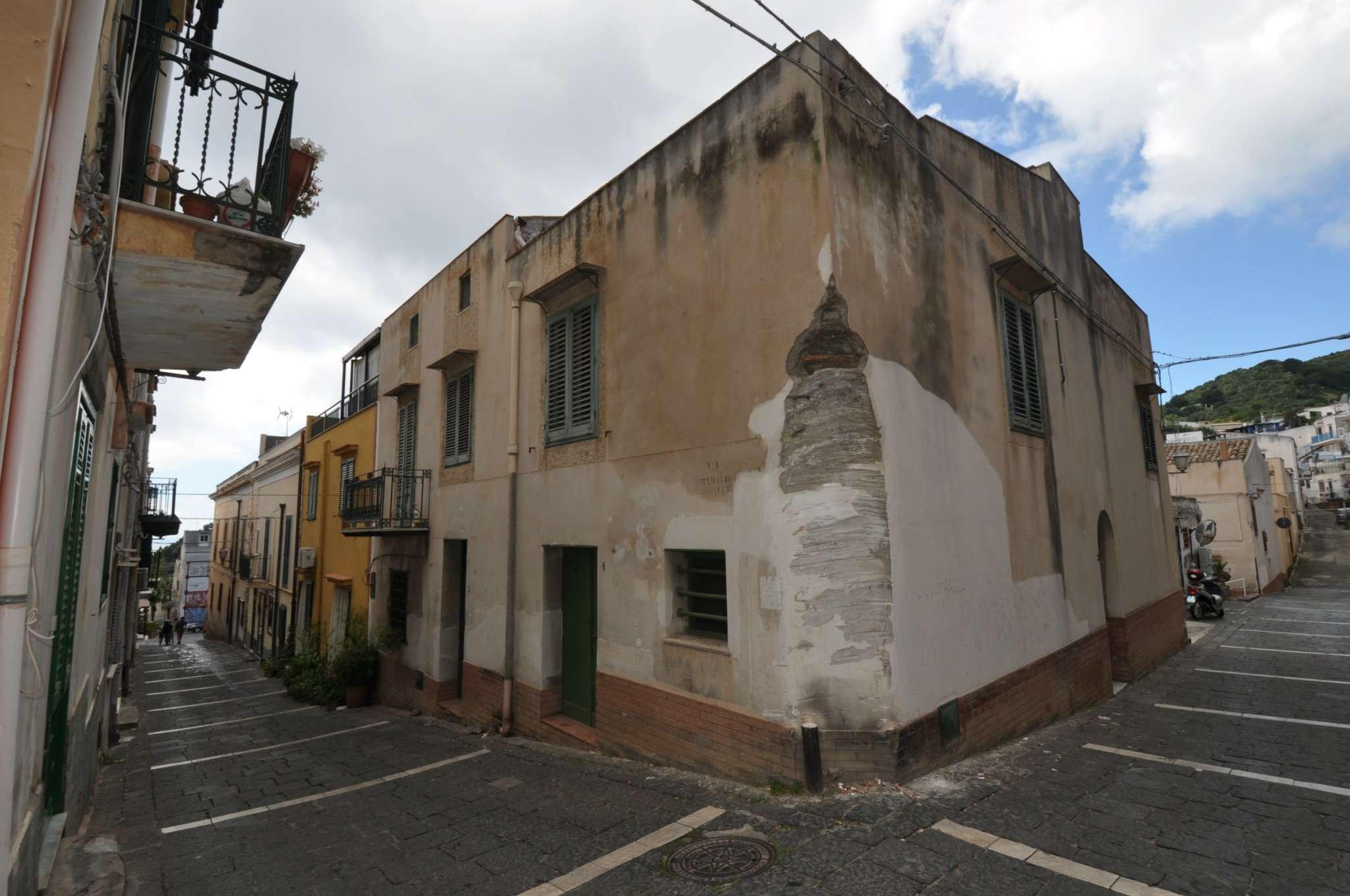 Casa indipendente in Vendita a Ustica:  5 locali, 350 mq  - Foto 1