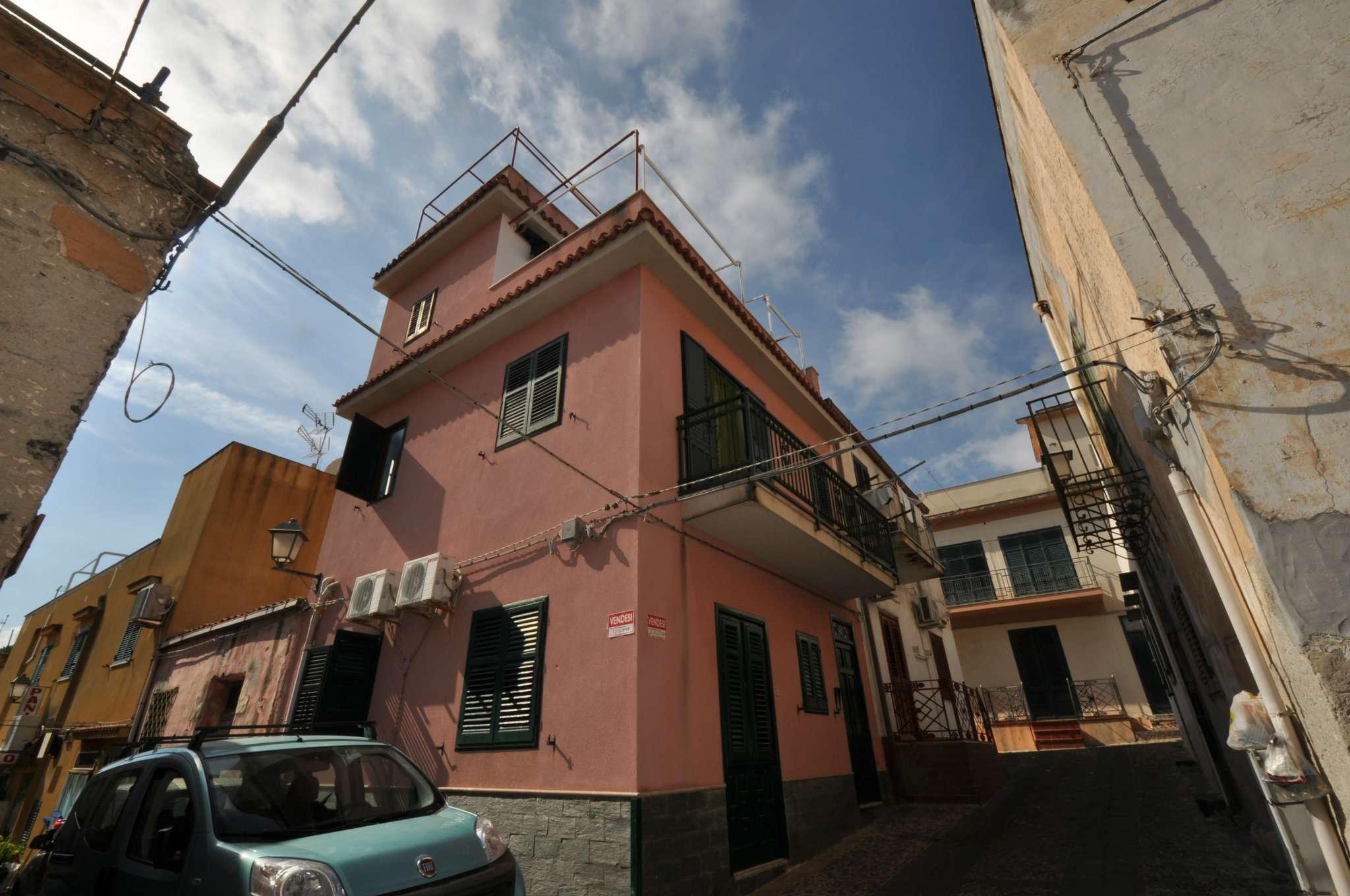 Casa indipendente in Vendita a Ustica:  4 locali, 90 mq  - Foto 1