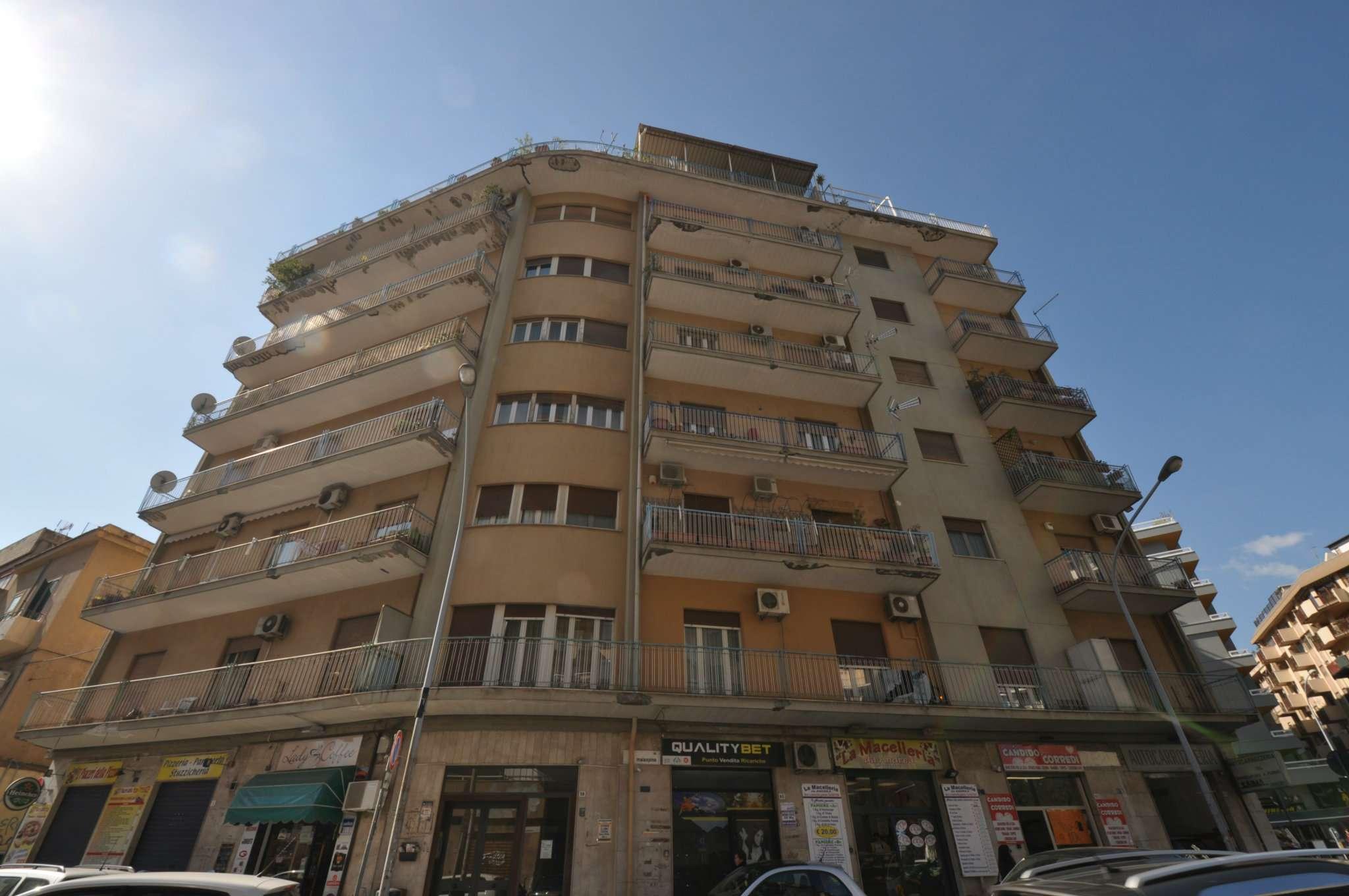 Appartamento in Affitto a Palermo: 5 locali, 140 mq