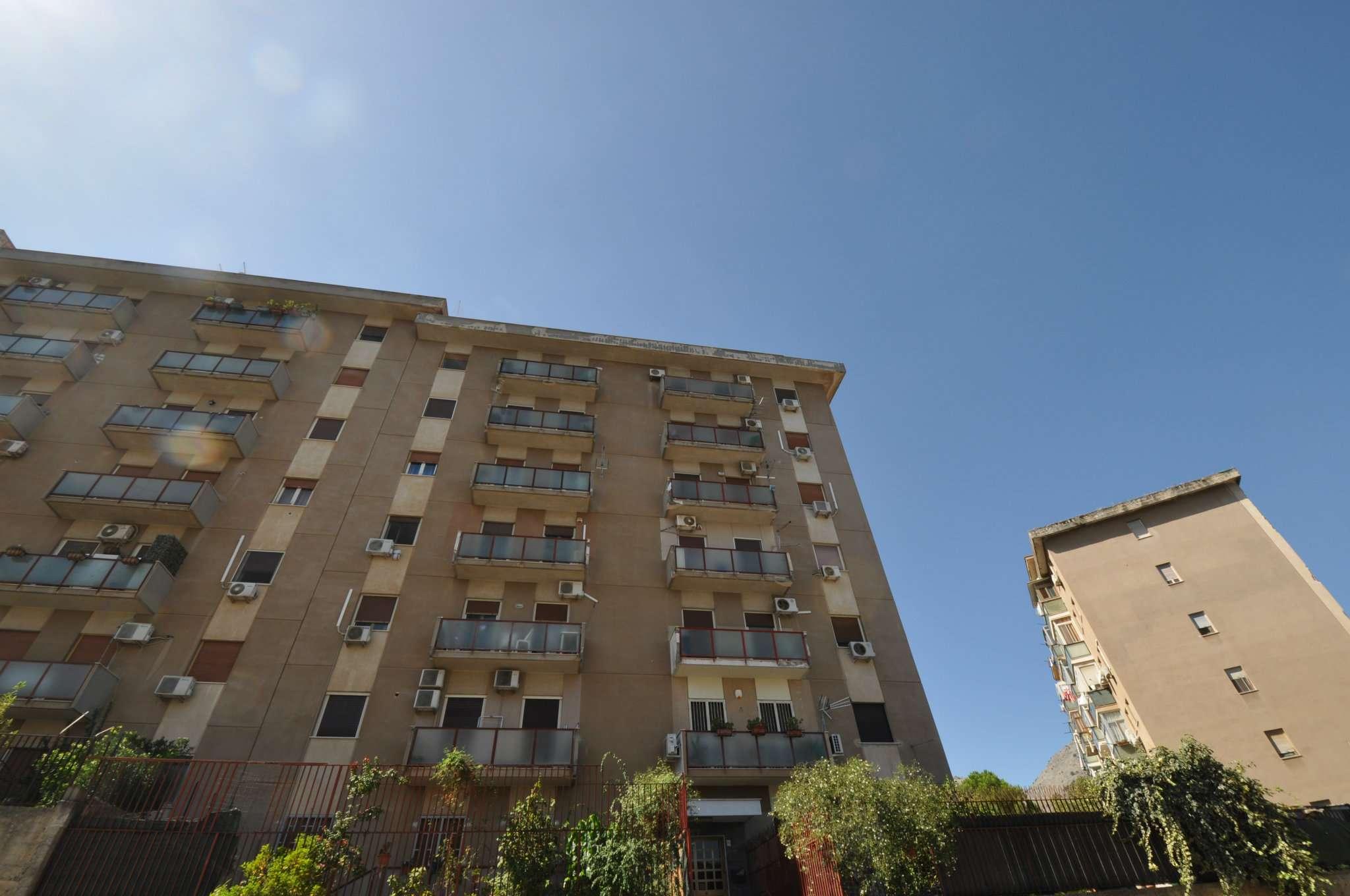 Appartamento in Affitto a Palermo: 4 locali, 105 mq