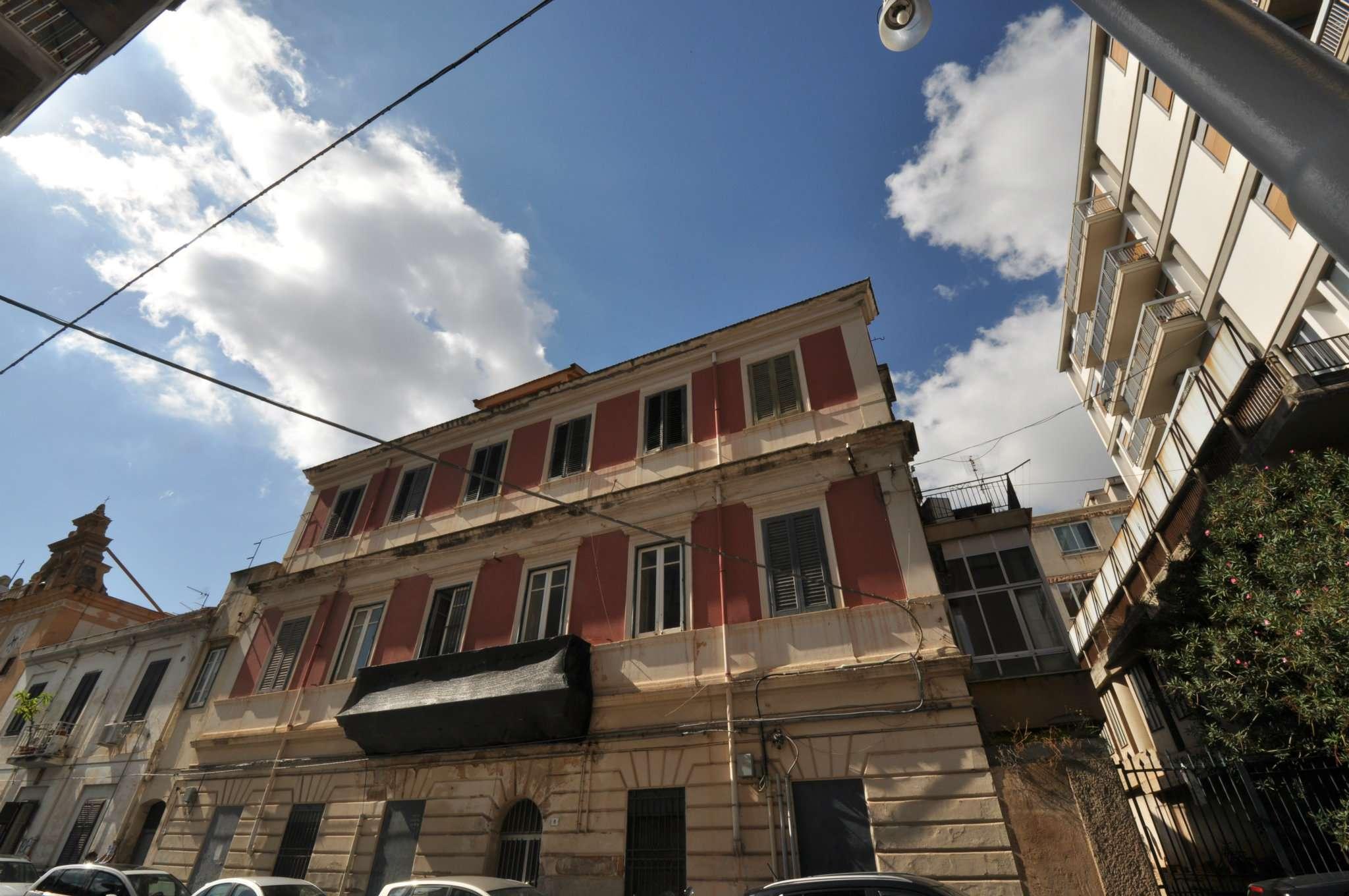 Casa indipendente in Vendita a Palermo: 5 locali, 700 mq