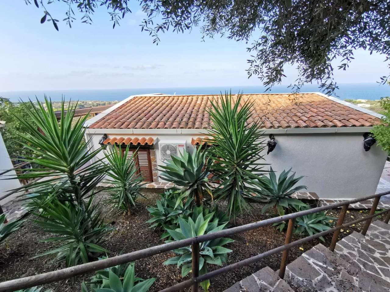 Villa in Vendita a Ustica: 2 locali, 65 mq