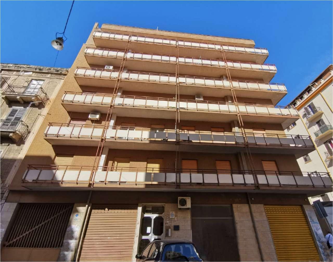 Appartamento in Vendita a Palermo: 4 locali, 127 mq