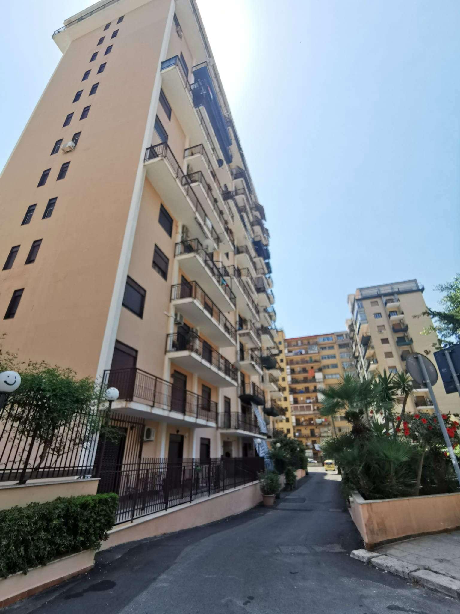 Attico in Affitto a Palermo: 5 locali, 160 mq