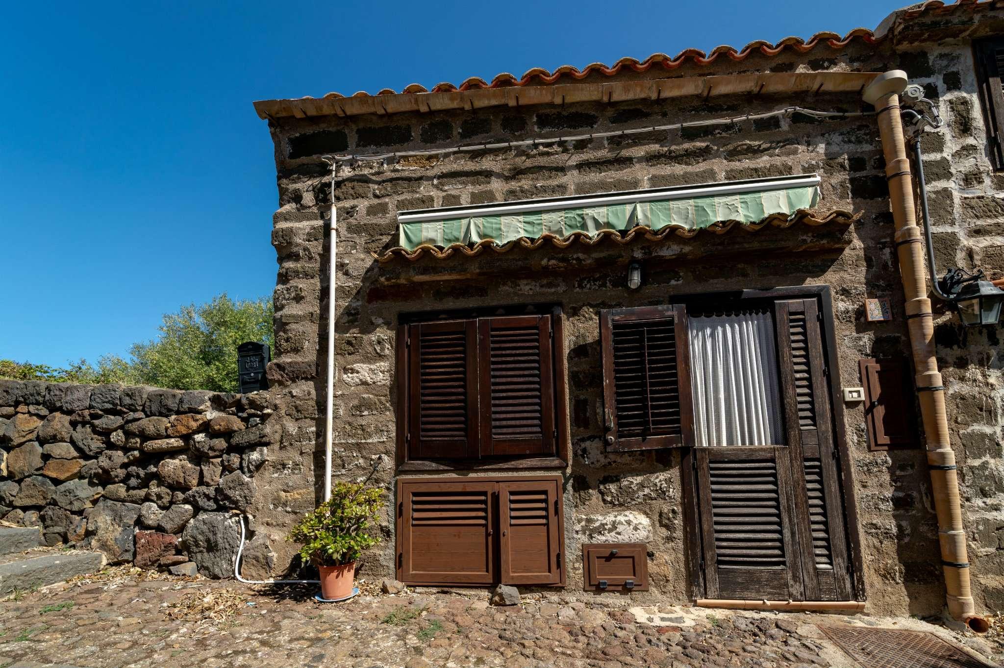 Casa indipendente in Vendita a Ustica: 3 locali, 56 mq