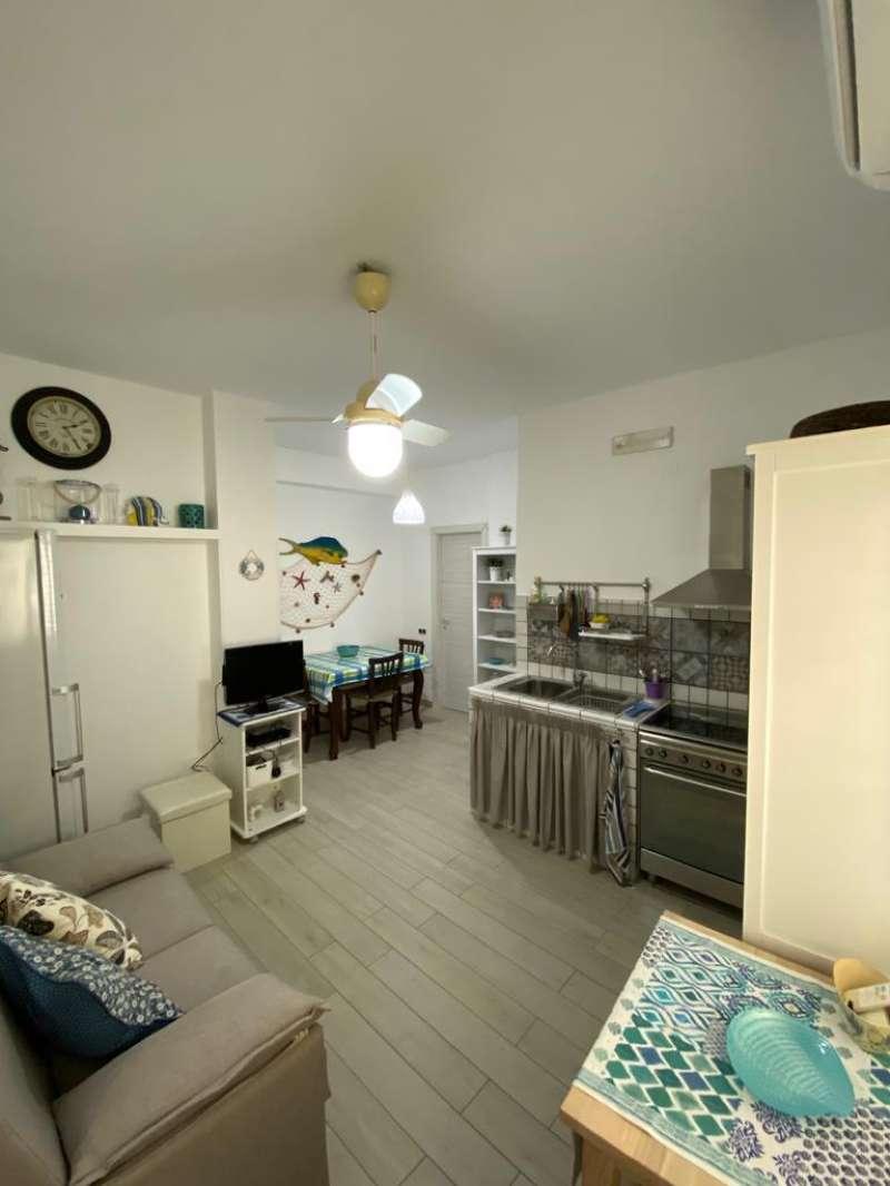 Appartamento in Vendita a Ustica: 2 locali, 45 mq