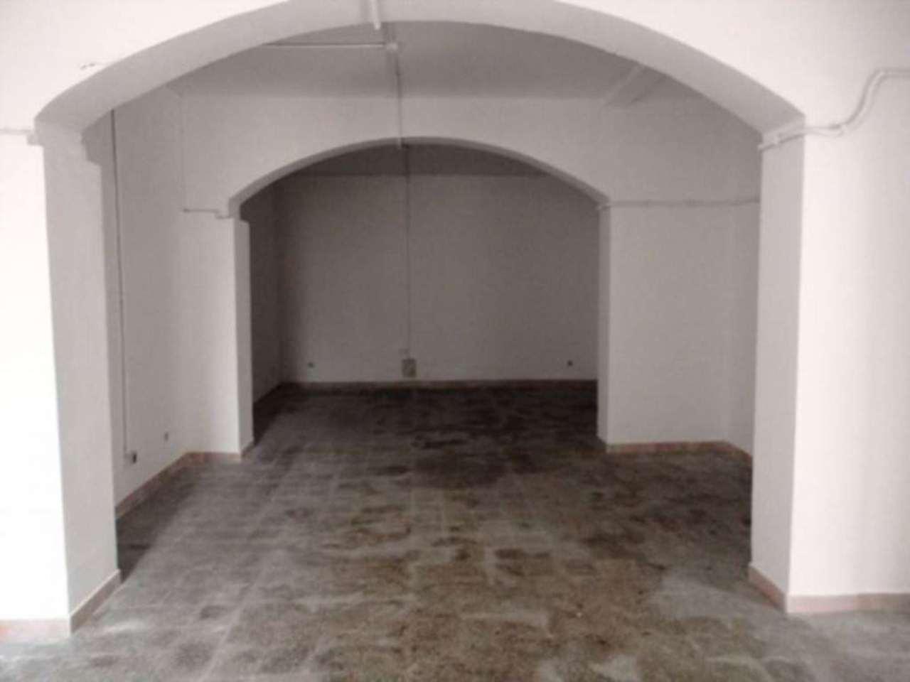 Magazzino in vendita a Roma, 2 locali, zona Zona: 31 . Giustiniana, Tomba di Nerone, Cassia, prezzo € 85.000   CambioCasa.it