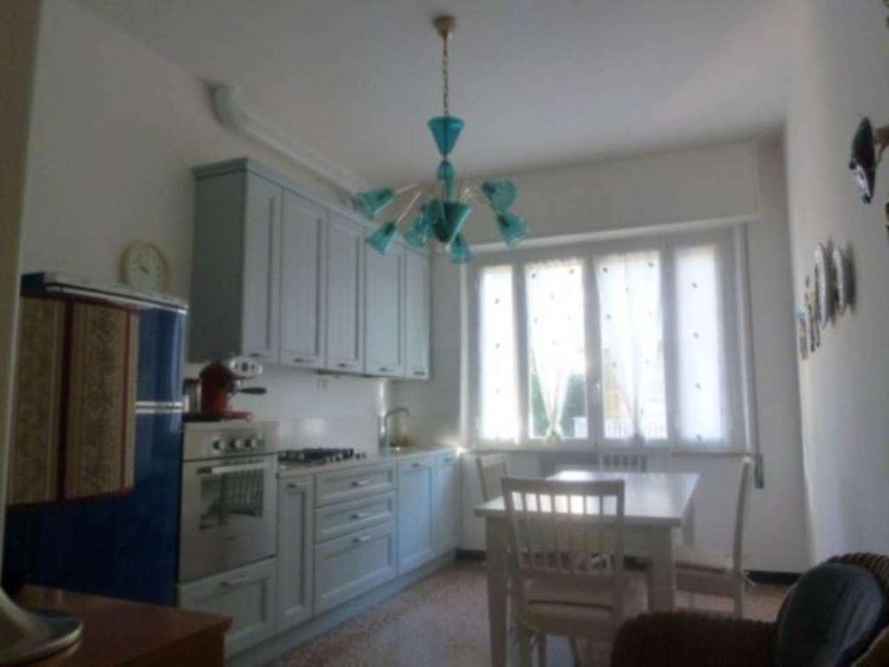 Appartamento in vendita a Albisola Superiore, 3 locali, prezzo € 340.000 | Cambio Casa.it