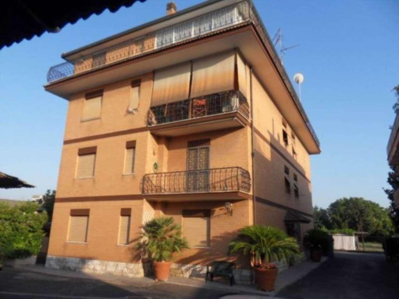 Palazzo / Stabile in vendita a Roma, 6 locali, zona Zona: 8 . Tiburtina, Colli Aniene, Pietrasanta, San Basilio, prezzo € 1.040.000 | Cambio Casa.it