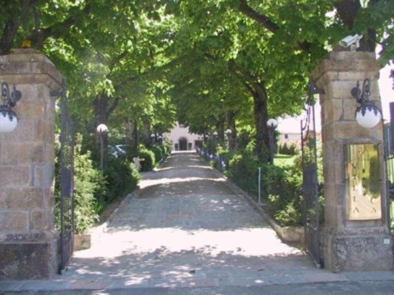 Albergo in vendita a Gambassi Terme, 16 locali, prezzo € 1.300.000 | CambioCasa.it