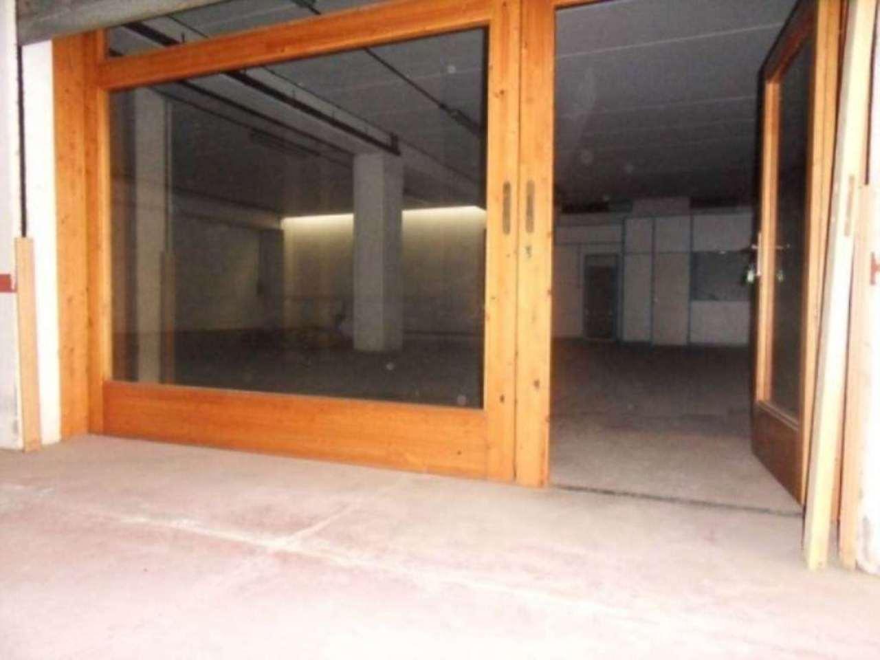Magazzino in affitto a Guidonia Montecelio, 1 locali, prezzo € 1.200 | CambioCasa.it