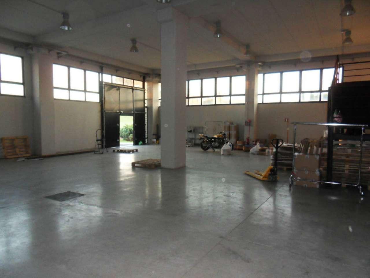 Capannone in affitto a Roma, 2 locali, zona Zona: 8 . Tiburtina, Colli Aniene, Pietrasanta, San Basilio, prezzo € 5.000 | Cambio Casa.it